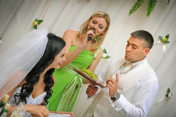 vedushij-na-svadbu